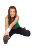 Donna sorridente nell'allenamento di forma fisica Fotografie Stock Libere da Diritti