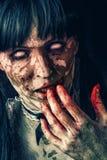 Donna spaventosa dello zombie Fotografia Stock Libera da Diritti