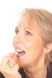 Donna splendida con alito fresco fotografie stock libere da diritti
