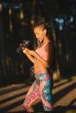 Donna sportiva di forma fisica sull'allenamento sano all'aperto Immagine Stock Libera da Diritti