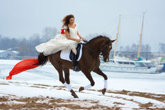 Donna su un cavallo Fotografia Stock Libera da Diritti