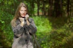 donna sul brige Fotografia Stock Libera da Diritti