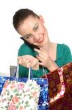 Donna sulla chiamata di telefono in negozio Fotografia Stock Libera da Diritti