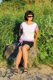 Donna sulla passeggiata Fotografia Stock Libera da Diritti