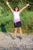 Donna sulla passeggiata Fotografie Stock Libere da Diritti