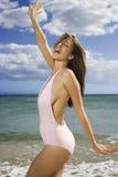 Donna sulla spiaggia del Maui. Immagine Stock Libera da Diritti