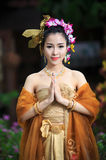 Donna tailandese in costume tradizionale Fotografia Stock Libera da Diritti