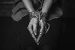 Risultati immagini per polsi legati di donna