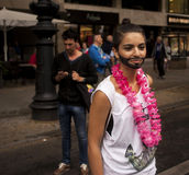Donna travestita come Conchita Wurst Immagini Stock Libere da Diritti