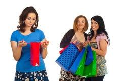 Donna triste di piccolo sacchetto di acquisto Immagini Stock Libere da Diritti