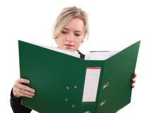 Donna in ufficio Fotografie Stock Libere da Diritti