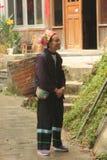 Donna - un agricoltore anziano Fotografia Stock