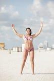 Donna in un bikini immagine stock libera da diritti