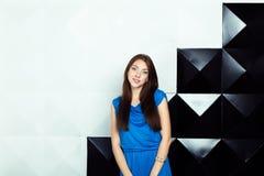 Donna in un blu fotografia stock