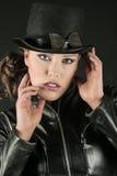 Donna in un Tophat fotografia stock libera da diritti