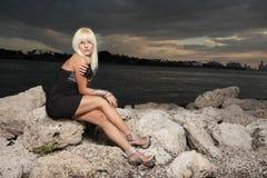 Donna in un vestito Immagine Stock