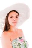 Donna in un vestito su un fondo bianco Fotografie Stock Libere da Diritti