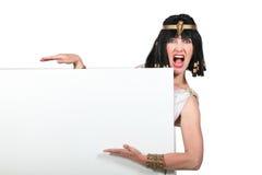 Donna vestita come Cleopatra immagini stock