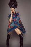 Donna in vestito russo tradizionale fotografia stock libera da diritti