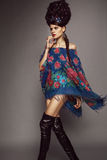 Donna in vestito russo tradizionale immagine stock