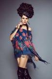 Donna in vestito russo tradizionale fotografie stock libere da diritti