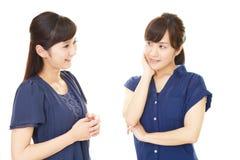 Donne asiatiche sorridenti immagini stock