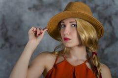 Donne in cappello Immagine Stock Libera da Diritti