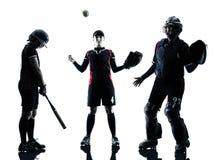 Donne che giocano la siluetta dei giocatori di softball isolata Immagine Stock