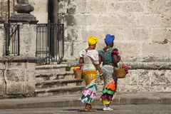 Donne cubane con i costums tradizionali Immagini Stock Libere da Diritti