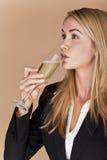 Donne di affari che celebrano. fotografia stock libera da diritti