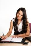 Donne di affari che lavorano nell'ufficio Immagini Stock Libere da Diritti
