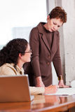 Donne di affari lavoranti Fotografia Stock