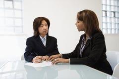 Donne di affari in ufficio Fotografia Stock
