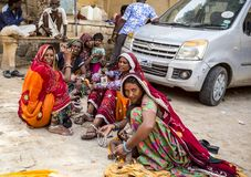 Donne di Rajasthani in Jaisalmer, India immagine stock