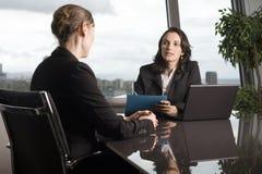 donne di riunione d'affari Immagini Stock
