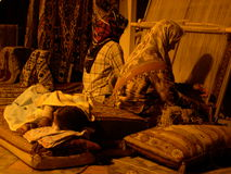Donne di tessitura fotografie stock libere da diritti