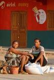 Donne e le loro borse del riso Immagine Stock Libera da Diritti