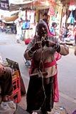 Donne indiane con il fuso di goccia Fotografia Stock Libera da Diritti