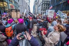 Donne marzo 2017 NYC Immagine Stock