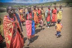 Donne masaie in villaggio tradizionale Fotografie Stock