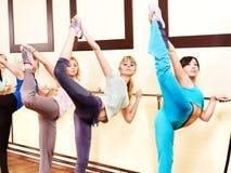 Donne nel codice categoria di aerobics. Fotografie Stock Libere da Diritti