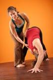 Donne nell'addestramento di yoga Fotografia Stock