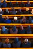Donne nella chiesa Fotografie Stock
