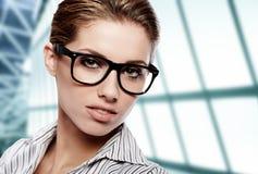 Donne o allievo sui precedenti di affari Immagini Stock
