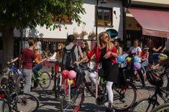 Donne operate che ciclano festival a Eskisehir immagini stock libere da diritti