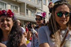 Donne operate che ciclano festival a Eskisehir immagine stock