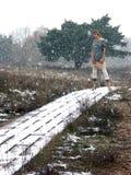 Donne sulla passerella di inverno Fotografie Stock Libere da Diritti