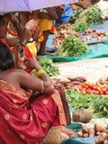 Donne tribali, protette dagli ombrelli Fotografia Stock Libera da Diritti