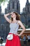 Donne turistiche viaggiare, camminante sulla via Fotografie Stock