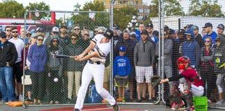 Donne un coup de pied les ressortissants supérieurs de Men's de Canada de base-ball images libres de droits